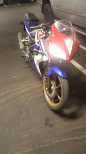 2009 HONDA CBR TRICOLOR 125cc with some issues (AS IS) 800$!