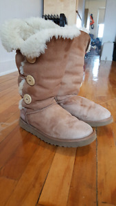 Ugg boots size 9 women