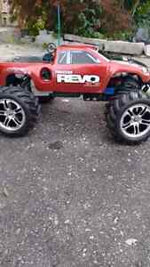Revo 3.3 extremely fast come to the second set of tyres Infinity