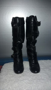 LIKE NEW BLACK MICHEAL BORDEAUX BOOTS