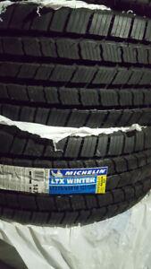 4 pneus d'hivers Michelin LTX Winter Tire 275/65R18 en parfaite