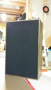 "Speaker cabinet 2 X 12"" all-range speakers"