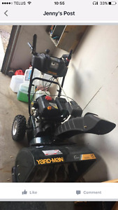 Snow thrower excellent condition