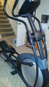 MOVING!!! Must sell! Elliptical 6.7 nordictrack