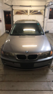 2005 BMW 325xi with summer and winter tires
