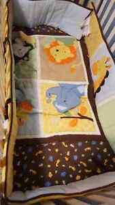Rainforest collection - crib set - OBO good condition