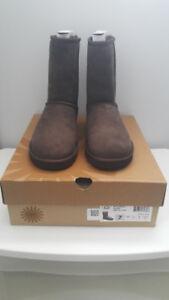 Brand new in box women UGG classic short chocolate US7
