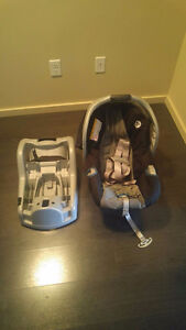 Hardly Used Graco Toddler  Car and Booster Seat