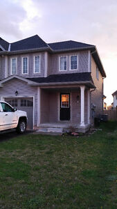 RIGHT IN THE MIDDLE! 3 BEDROOM END UNIT IN BRESLAU AVAIL. JUNE 1