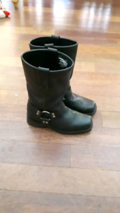 Women's size 8 harness boots