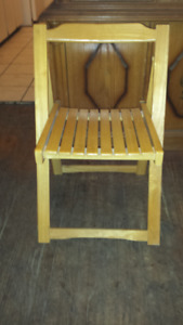 Set or 4 Folding Wooden Chairs