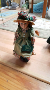 "Collectable ""Catherine Karnes Munn"" dolls"