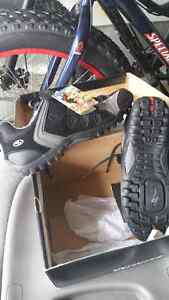 NEW specialized mtb shoes size 10.5