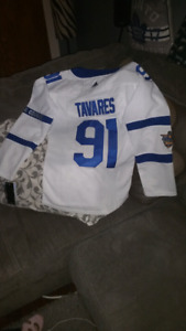 John Tavares woman's Toronto Maple Leafs jersey