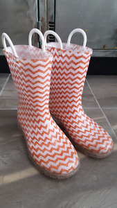 Girl's Rainboots Size 1 (Youth 1)