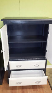 Professionally painted  3 piece vintage dresser set Kitchener / Waterloo Kitchener Area image 7