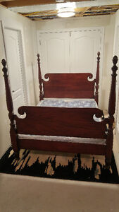 4 poster bed (circa 1910) plus 2 dressers