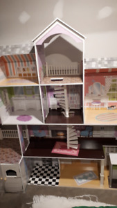 Doll House (Costco)
