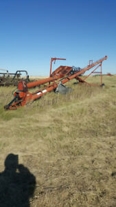 Grain swing out auger