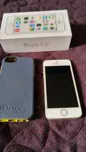 (BELL/VIRGIN) 16GB APPLE IPHONE 5S INCLUDES OTTER BOX CASE