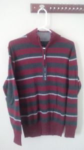 Men' top/sweater -almost new/new   $10