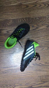 Youth Soccer Shoes Adidas Size 3 - freefootball x-ite J London Ontario image 1