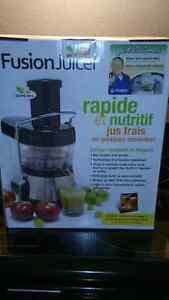 Fusion Juicer brand new in the box Cambridge Kitchener Area image 1