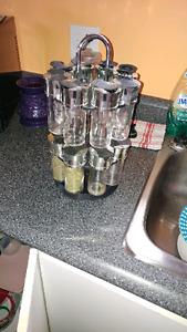 Rack a épice et set de vaisselle