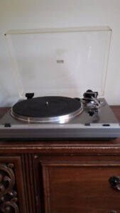 Hitachi Vintage Record Player - Perfect Working Order