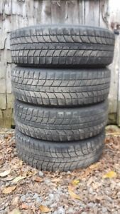 4 pneu BRIDGESTONE BLIZZAK WS-70 205/65R16