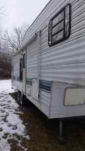 '95 sandpiper 5th wheel trailer  Peterborough Peterborough Area image 2