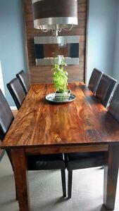 Table de salle à manger...faite de bois