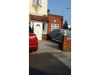 STUDIO FLAT: LANCING RD NEWBURY PARK IG2 7DQ - ALL BILLS INCLUDED