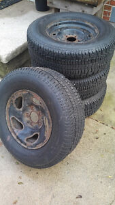 Used winter tires and rims Kitchener / Waterloo Kitchener Area image 4