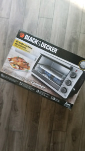 Black & Decker Toaster Oven (Never Used!)