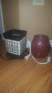 2 scentsy warmers