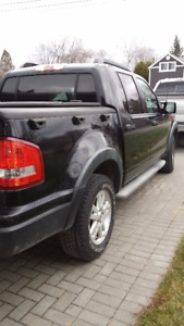Reduced!  Black Beauty - 2010 Ford Explorer