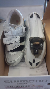 Shimano womans bicyce shoes . Size 7.2 white used one season in