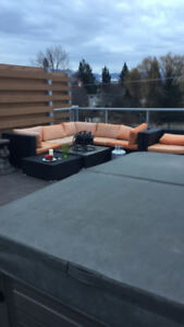 Hot tub and roof top patio rent includes heat and hot water