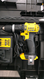 BODY, CHARGER & CASE. NO BATTERIES. BRAND NEW DEWALT COMBI DRILL