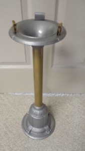 ANTIQUE STAND UP ASHTRAY