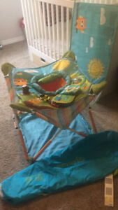 Summer - portable bouncy chair/ baby holder