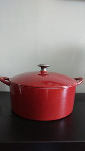Enamel cast cooking pot