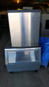 300 pound ice maker/restaurant equipment