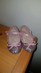 Brand new dress shoes size 6 toddlers