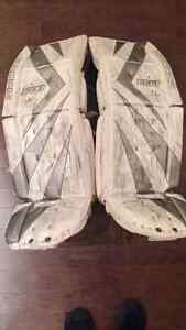 High End Made in Canada Simmons 993 Goalie Pads Size Senior 34