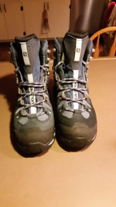 Size 7.5 Salomon Hiking Boots
