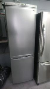 Réfrigérateur LG 24pouce +livraison 700$