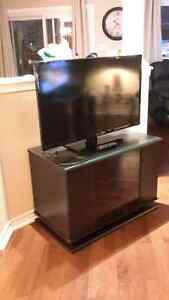 40 inch Insignia TV With Stand