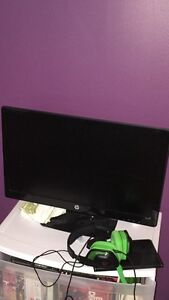 HP x2311 Monitor